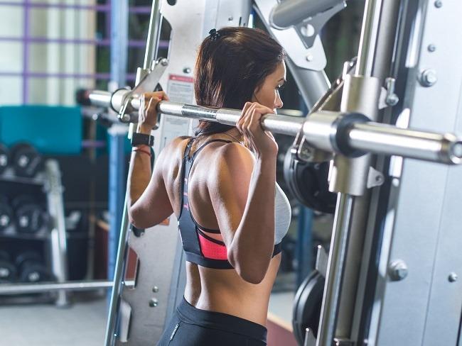 槓鈴肩推與肩關節活動度有關