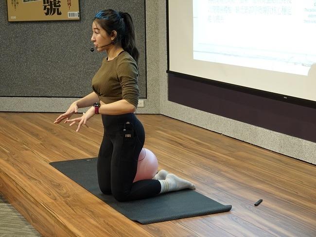 筋肉媽媽是專業的健身教練