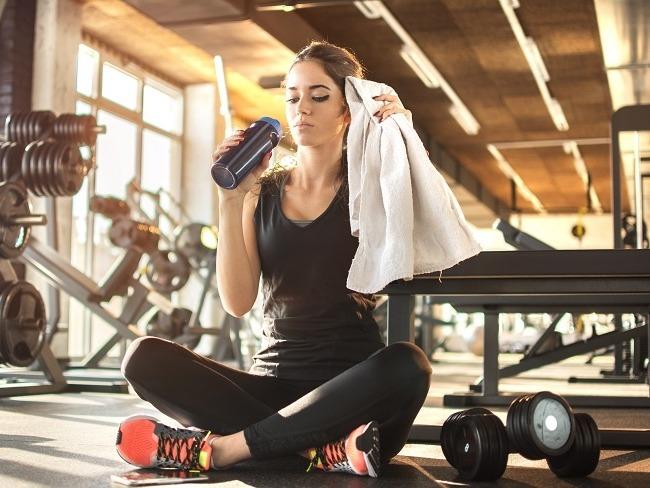運動時補充水份十分重要