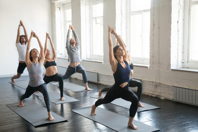 嘗試瑜伽這類的輕度運動