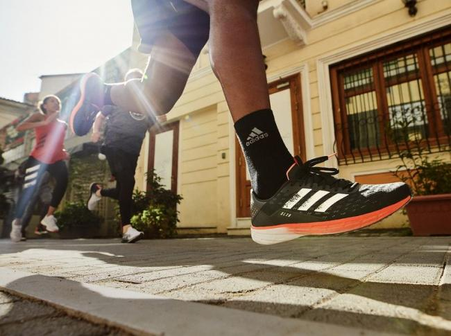 adidasSL20跑鞋