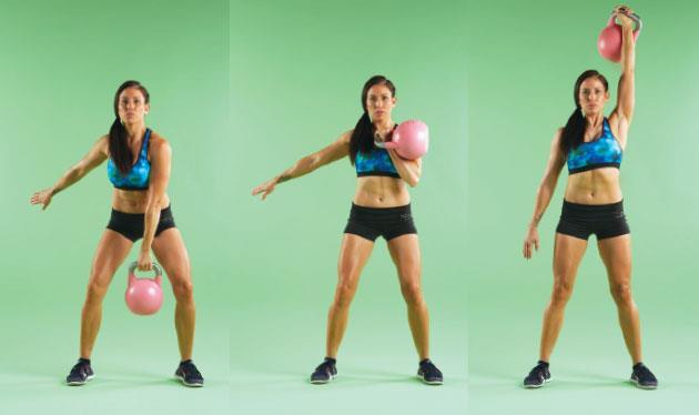 壺鈴推舉利用腳跟向上蹬,雙腿伸直帶動身體上升。
