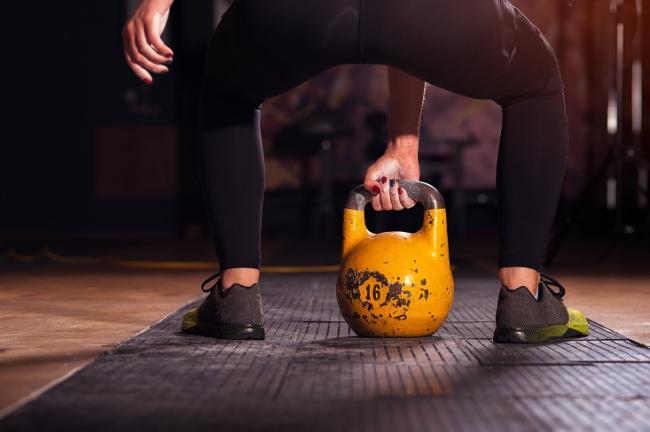 壺鈴對消脂與訓練肌肉很有幫助