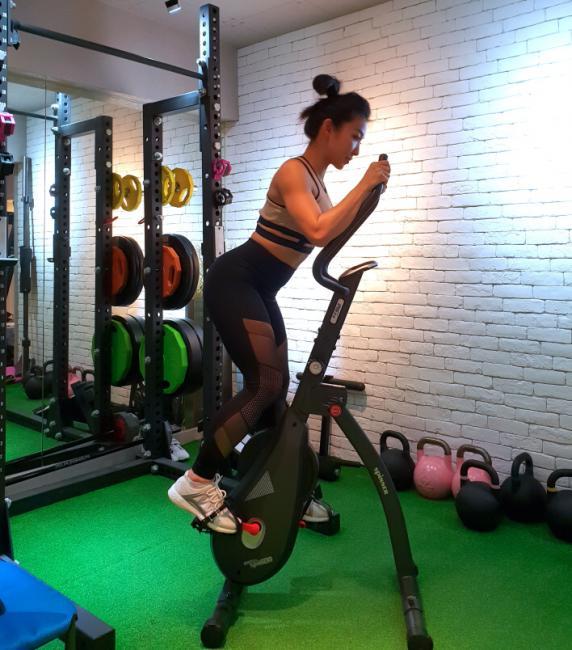筋肉媽媽鍛鍊大腿內側
