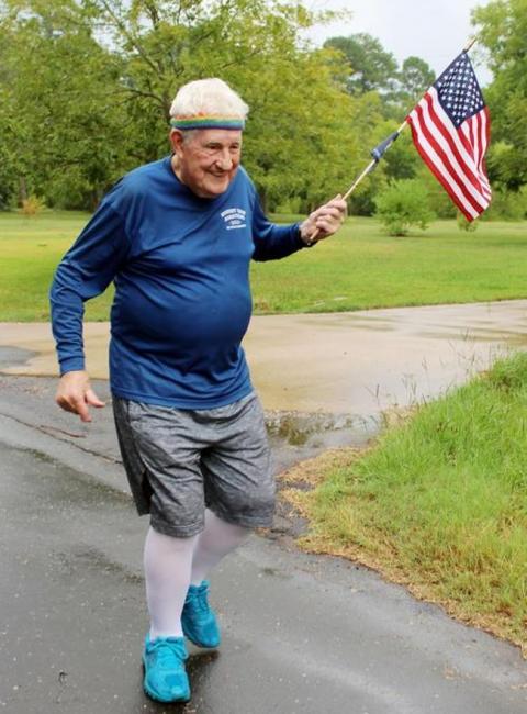Ernie Andrus跑步橫越美國