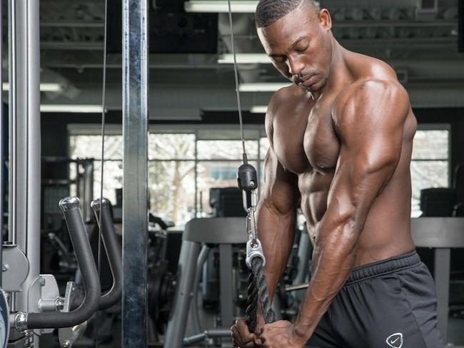肱三頭肌常見的訓練動作
