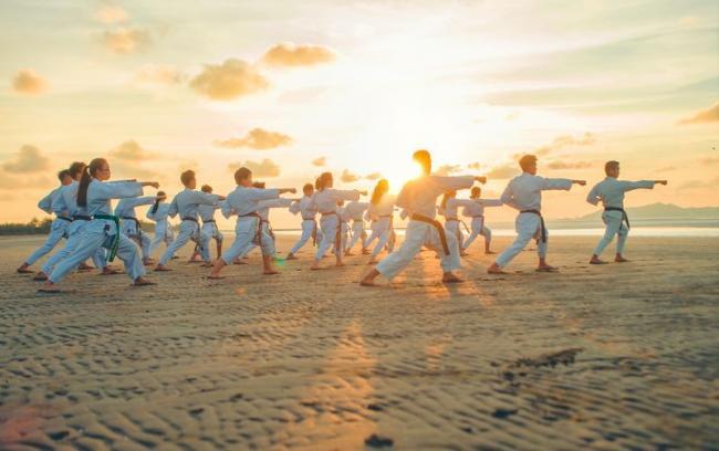 太極拳主要是鍛鍊下盤核心肌群的穩定