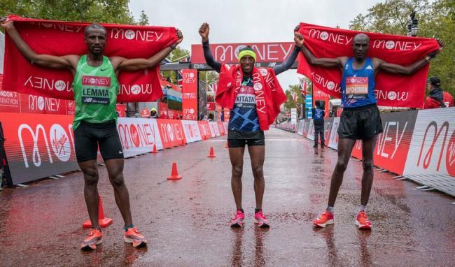 冠軍Shura Kitata、亞軍Vincent Kipchumba、季軍Sisay Lemma