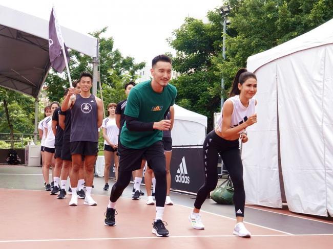 雷理莎王陽明穿台北馬限定跑鞋試跑adidas跑翻台北12條路線
