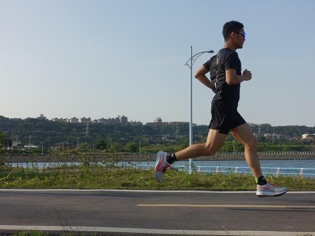 跑步遇到逆風的解決方式