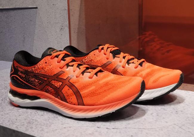 ASICS 高緩衝跑鞋 GEL-NIMBUS 23 TOKYO