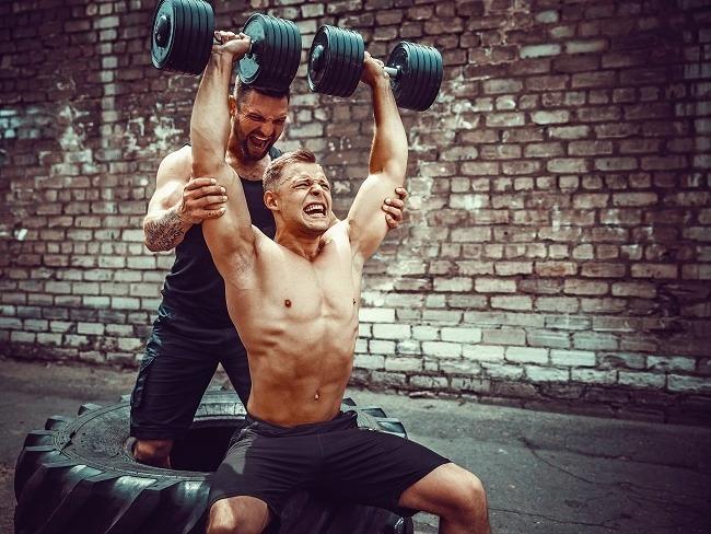 推舉訓練肩部肌群