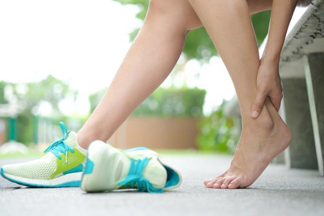 無論是轉動手腕或腳踝關節,最主要是具有促進血液循環及預防扭傷的功能。