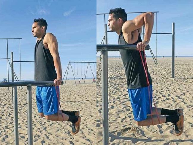 彈力帶輔助三頭肌撐體