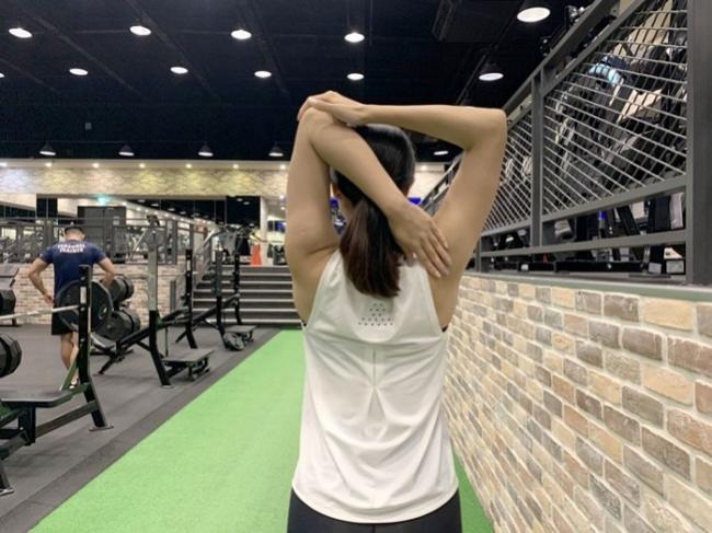 肩關節伸展