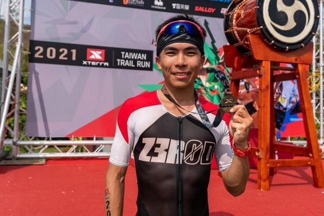 楊博智越野跑 10 公里冠軍