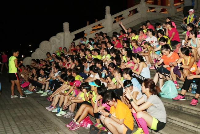 黃崇華教練的社會女子跑班教學