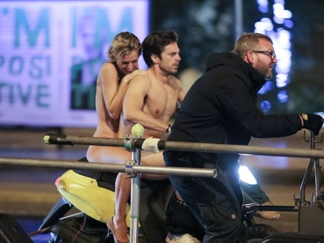 Sebastian Stan劇中裸露