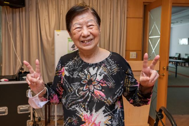 94歲仍活潑好動又中氣十足的趙奶奶