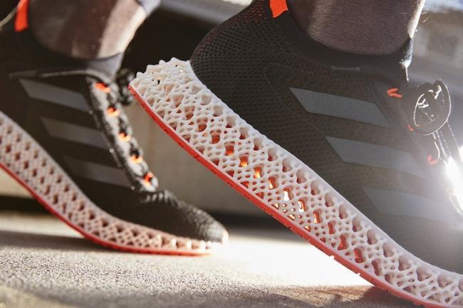 adidas 4DFWD旗艦跑鞋