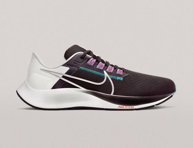 Nike 小飛馬 Air Zoom Pegasus 38 跑鞋