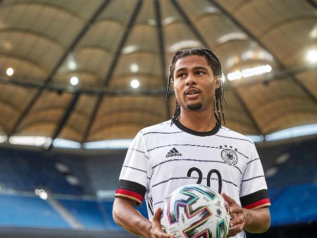 歐洲國家盃德國主場球衣