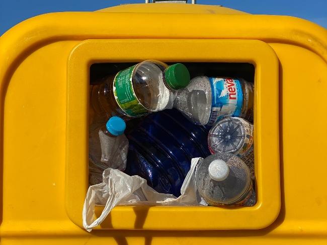 塑膠瓶亂丟