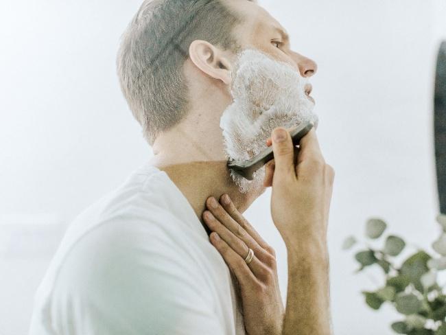 刮鬍泡也是化學物質