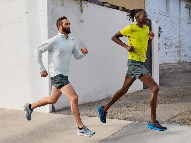 BROOKS首款碳中和跑鞋
