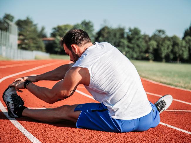 伸展訓練動作