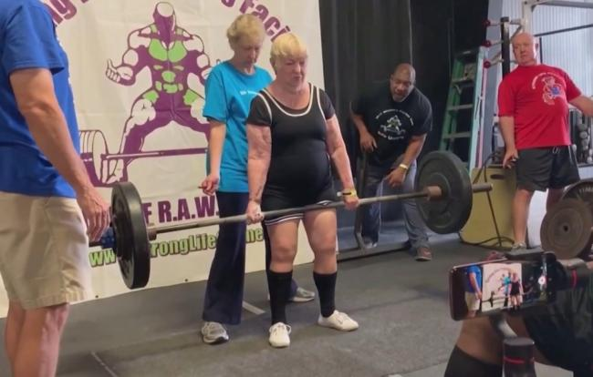 美國100歲健力奶奶  獲得金氏世界紀錄史上最年長的女子舉重運動員