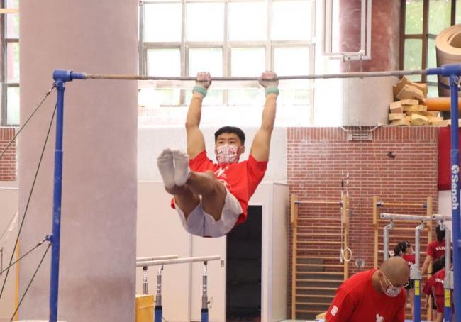 體操是全面性的運動,涵蓋人體基本的動作如滾、翻、騰、躍及器械運動
