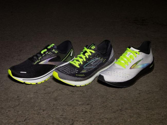 經典跑鞋多加了更安全的夜光限定選項
