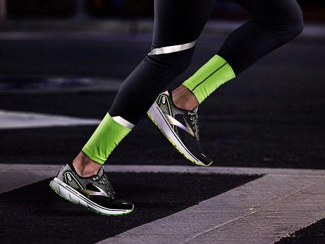 長時間的反射光澤使夜跑的你更醒目