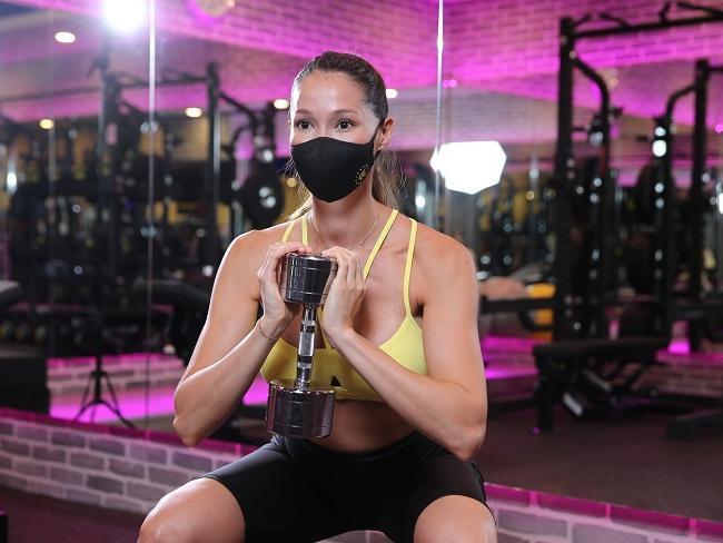 健身工廠代言人Akemi