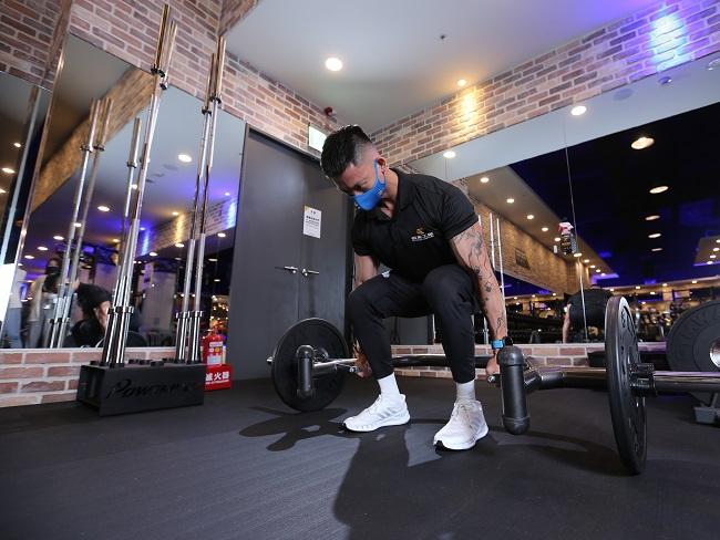 三個健身初學者也能做的動作
