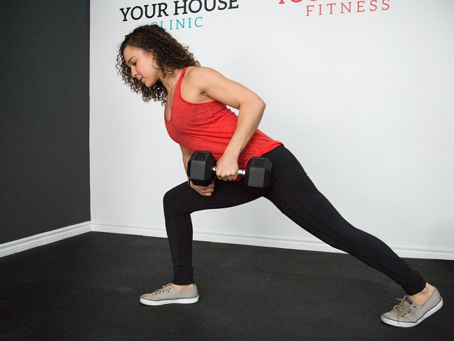 啞鈴能同時訓練肌肉