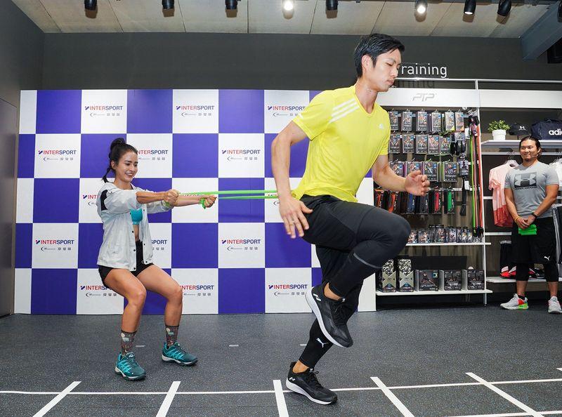 雷艾美與羽球一哥體驗INTERSPORT摩曼頓竹北店 仲夏路跑訓練計畫running課程訓練動作