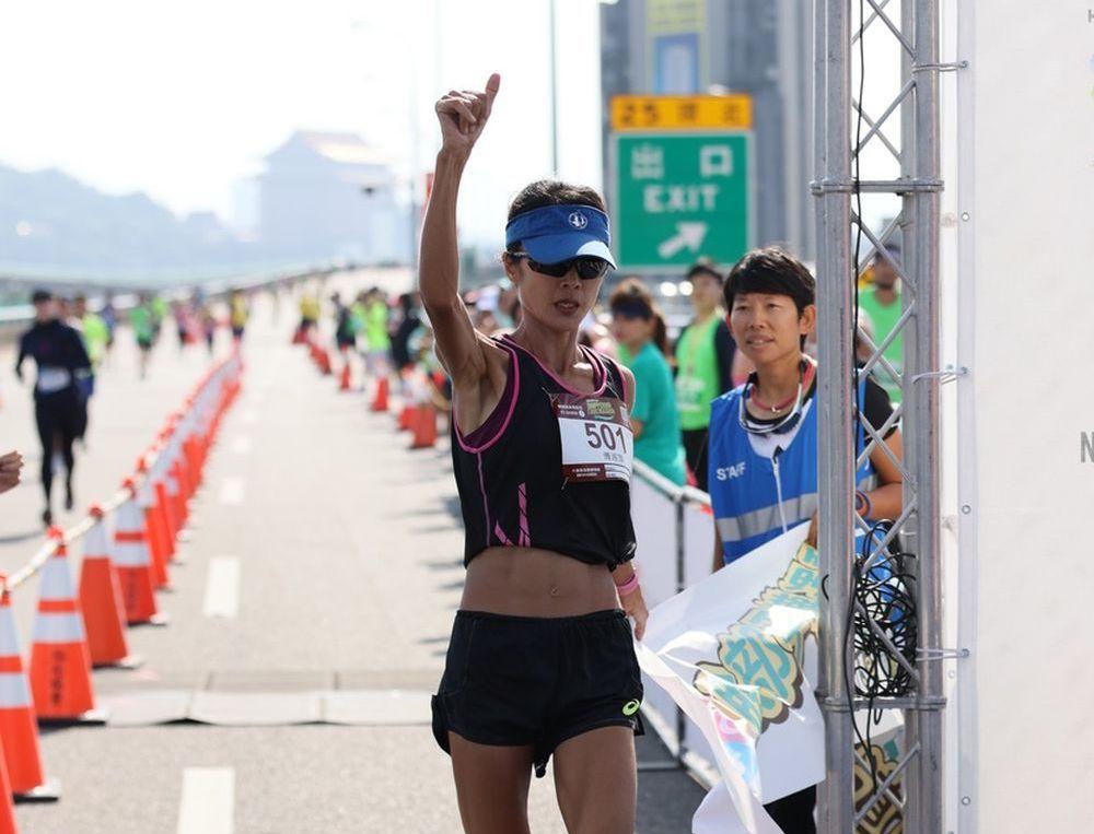 2020台北國道馬拉松  傅淑萍史無前例三連霸