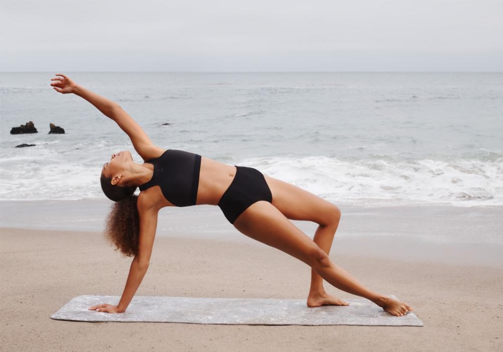 PUMA首度與好萊塢巨星葛妮絲派特洛所創goop 聯名打造瑜珈穿搭聖經