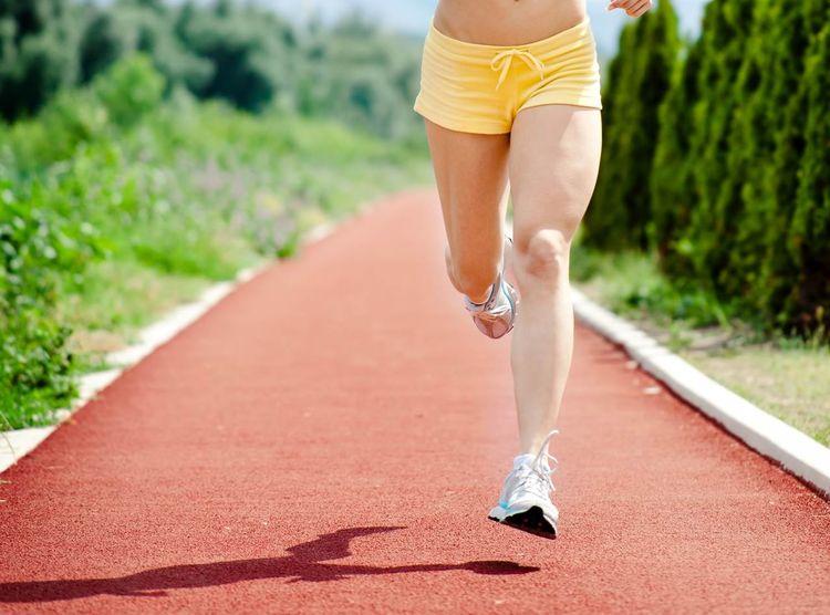 10K破45分鐘的跑步訓練計畫