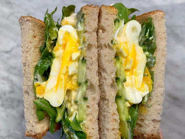 經典的雞蛋三明治只要15分鐘就完成